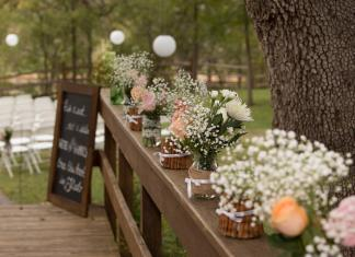 How To Plan a Wedding DIY Floral Decor