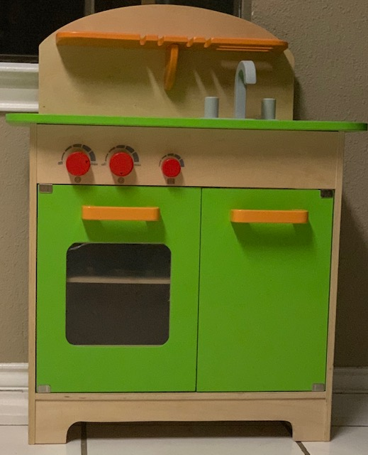 toddler gift idea hape kitchen